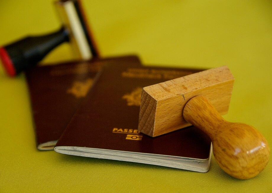 what are the advantages and disadvantages of dual citizenship